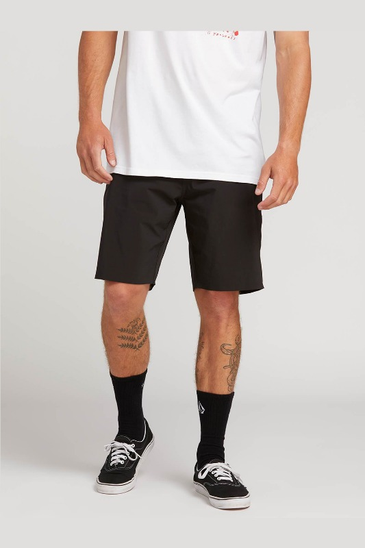 [VOLCOM] MEN'S  STONE LITE HYBRID SHORTS - BLACK